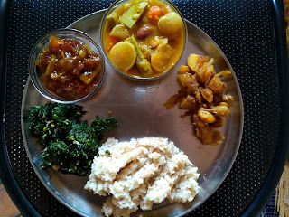 Hand pound rice, Ponnaanganni greens poriyal, Raw mango sweet pachadi, Mixed Veg Sambhar, Steamed Potato poriyal
