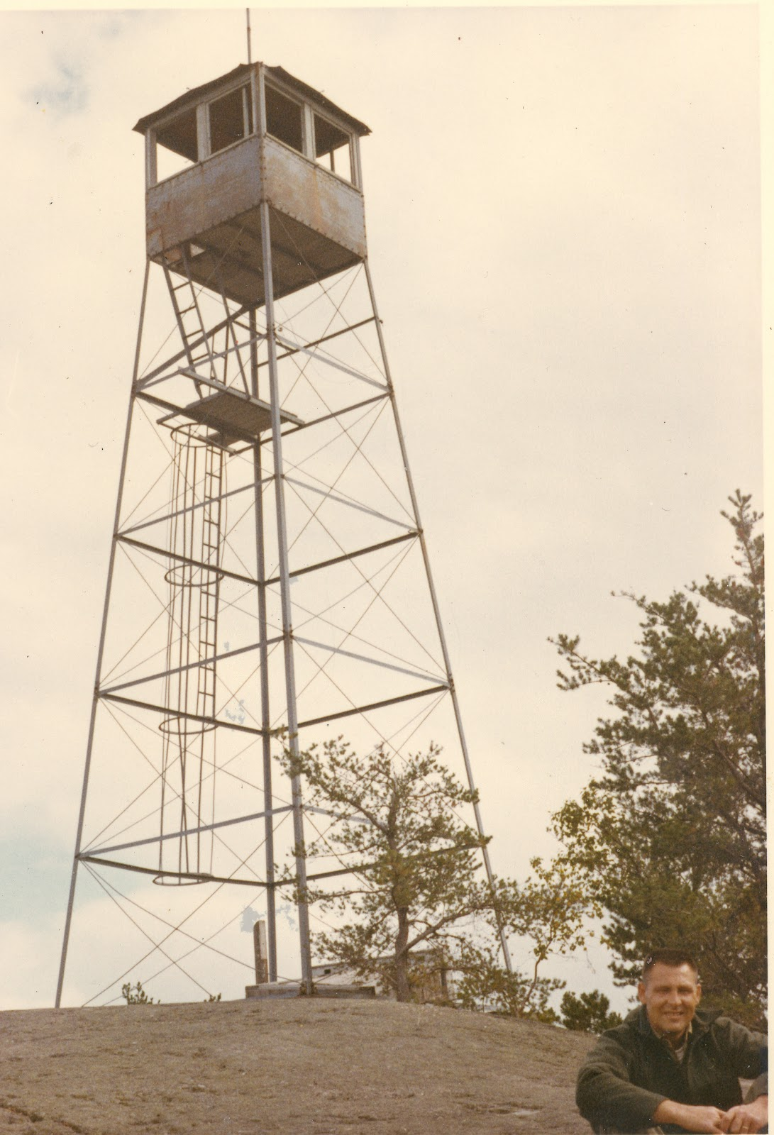 Minnesota 39 s historical fire lookout towers carlton peak for Farmhouse tower