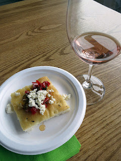 Fielding Rosé with Sweet Pepper Bruschetta