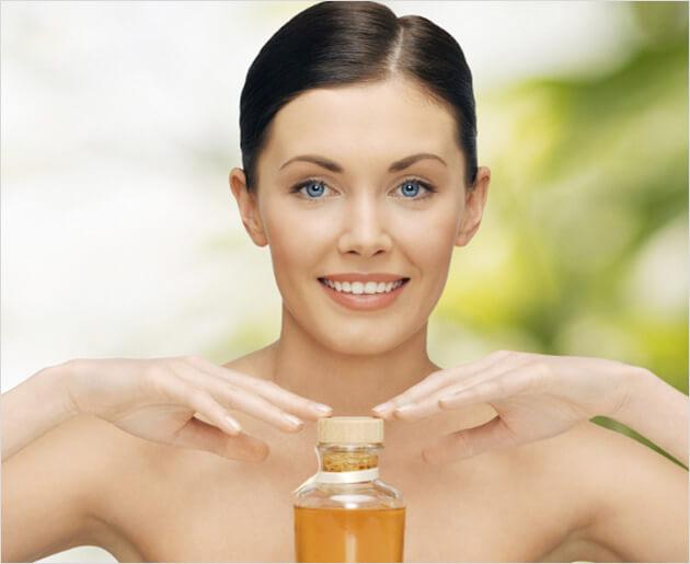 فائدة فوائد الخروع للشعر والبشرة Castor-oil-for-skin.