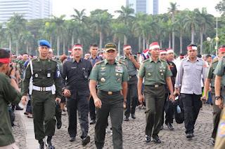 Mantap .. Ribuan Orang dari Berbagai Elemen Ikut Hadiri Apel Nusantara Bersatu di Monas - Commando