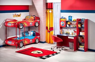Dormitorio para niño temática coche