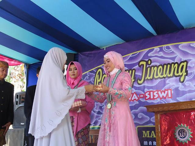 Penghargaan Bagi Siswa Yang Berpretasi