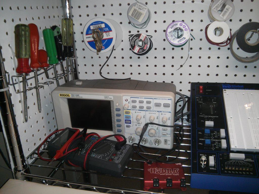 SandyMakes org: Portable Electronics Workbench