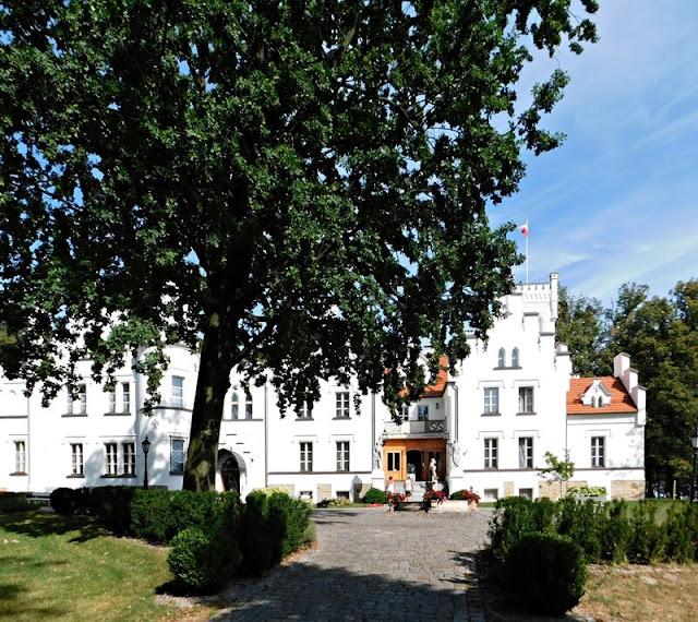 pałac, Sulisław, Grodków, opolskie