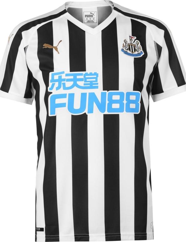 09b8ca0a94b0f Puma lança as novas camisas do Newcastle United - Show de Camisas