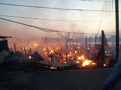 Gambar sekitar kebakaran 50 buah rumah di Kg Datu Sibu