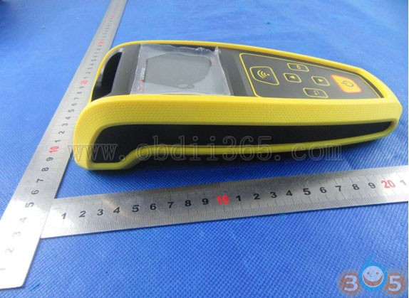 auzone-at60-external-display-3