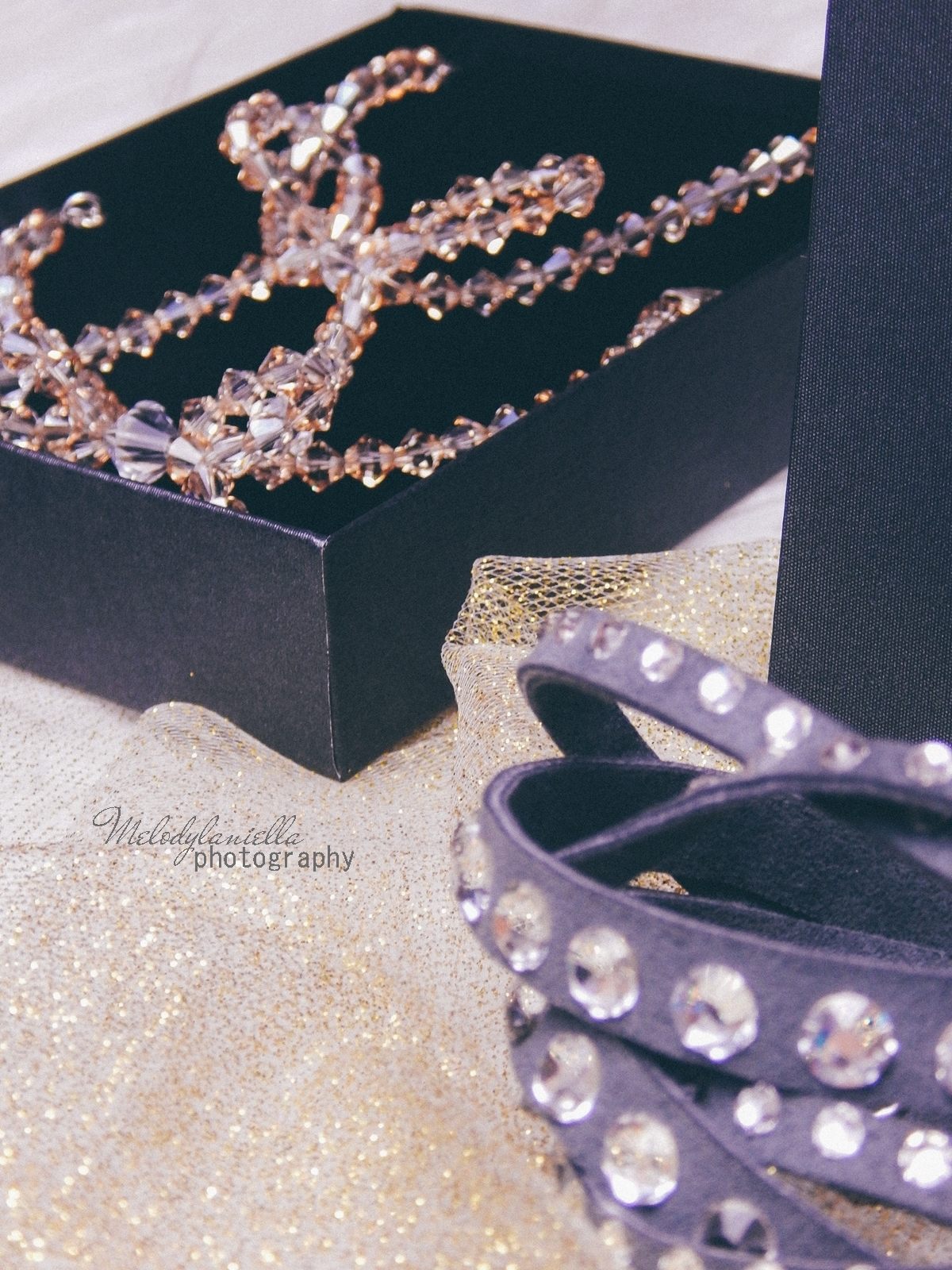 15 biżuteria M piotrowski recenzje kryształy swarovski przegląd opinie recenzje jak dobrać biżuterie modna biżuteria stylowe dodatki kryształy bransoletka z kokardką naszyjnik z kokardą złoto srebro fashion
