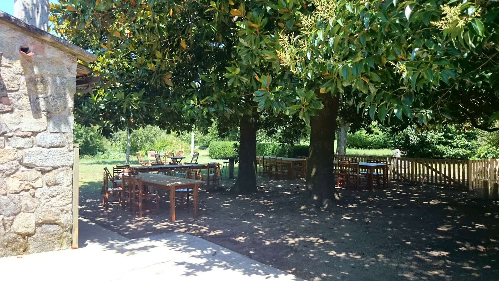 Vinos viandas viajes y dem s placeres la terraza del for El jardin prohibido restaurante
