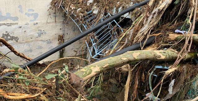 «Σάρωσε» την Άνδρο η κακοκαιρία: Εγκλωβισμένα οχήματα και τόνοι λάσπης στο νησί