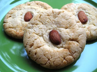 http://www.food.com/recipe/chinese-almond-cookies-302316