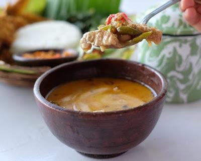Kuliner Unik Menu Enak di Atas Daun Jati di Sleman Yogyakarta
