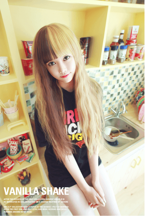 Korean Fashion Beauty Wig - Vanilla Shake Color Blonde & Chocolate Brown Mix Model 3