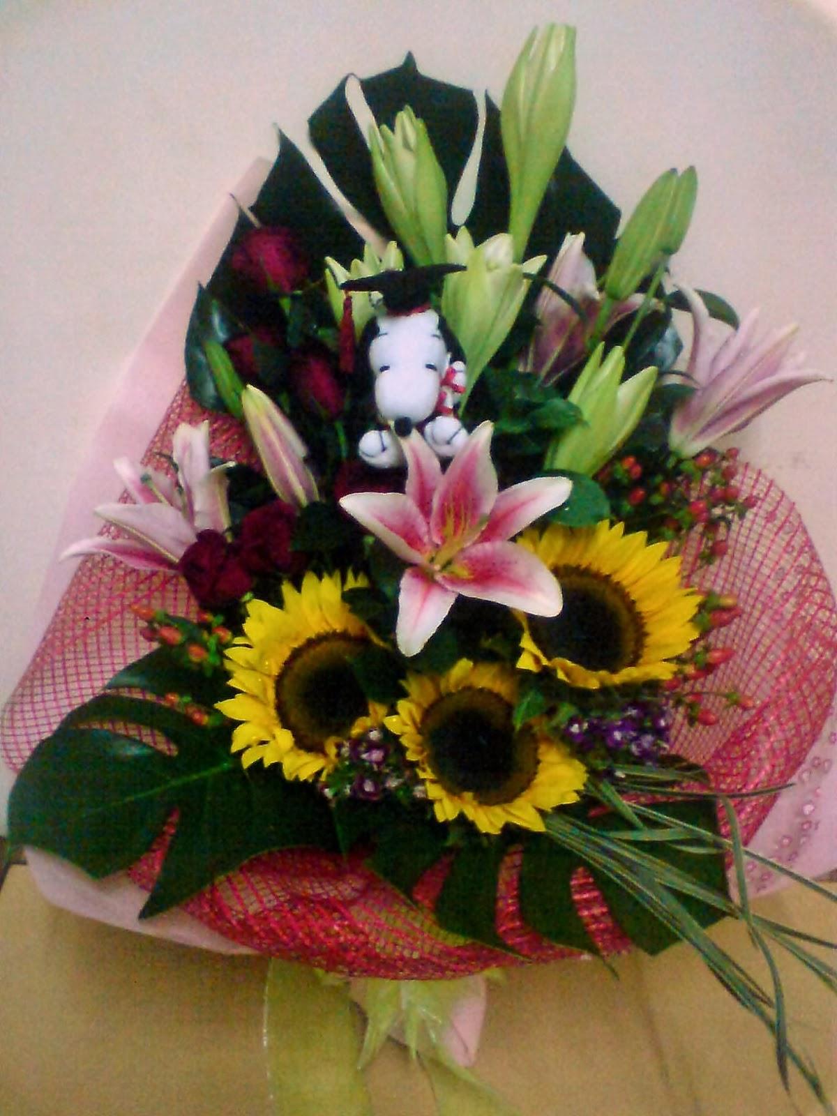 Flower Sense Gift Shop  Graduation Flower Bouquets