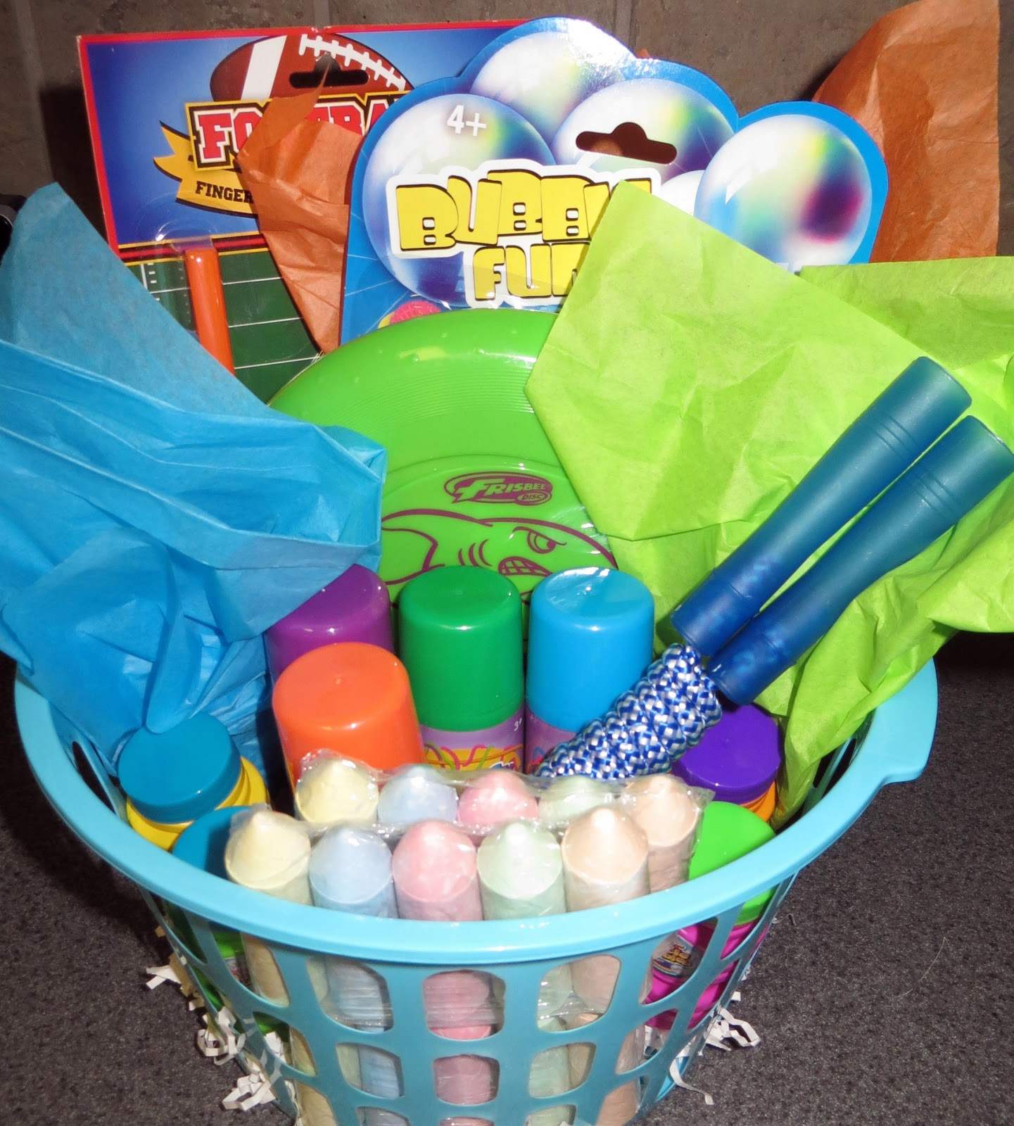 Inexpensive Housewarming Gifts Room Mom Extraordinaire Summer Fun Basket For Kids