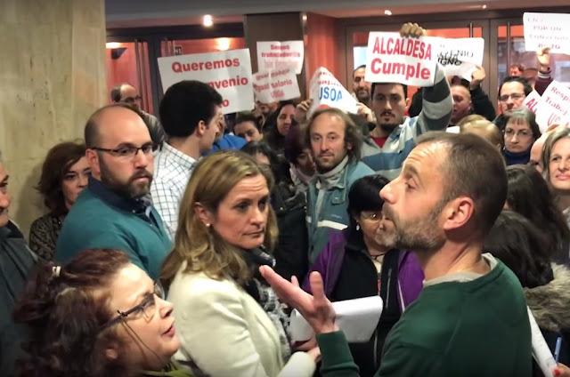 Pizarro interviene durante una protesta de trabajadores de Usoa en el Ayuntamiento