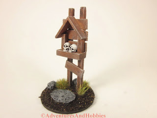 Miniature wooden roadside shrine T1532 in 25-28mm scale - side view.