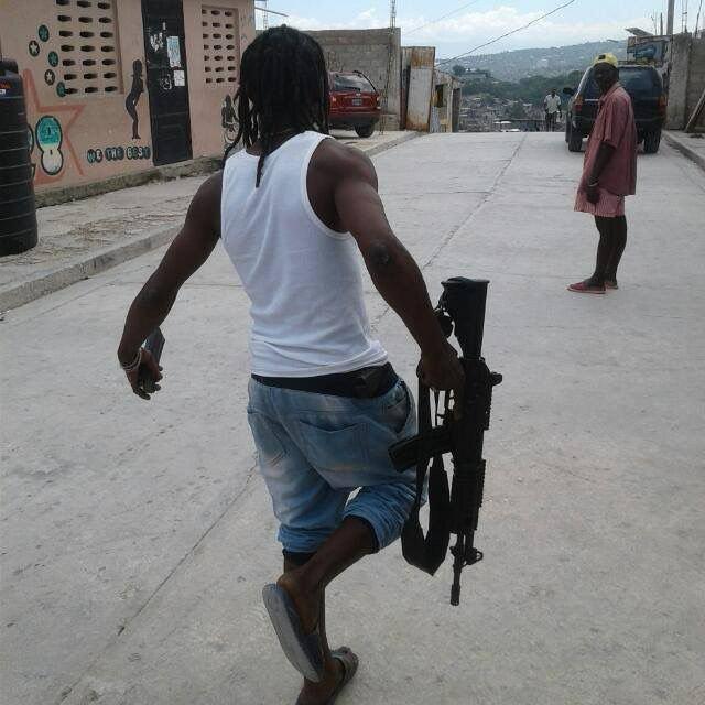 Asalto al Banco Popular fue hecho con fusil T65 haitiano