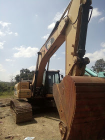 Dijual Excavator Caterpillar 329 DL Tahun 2011