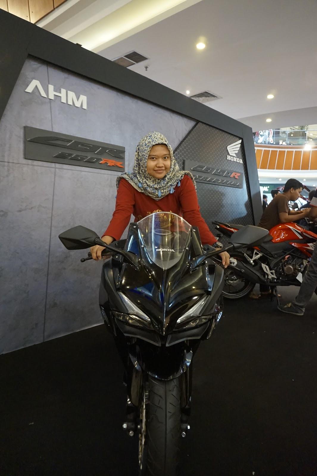 Dare Pontianak All New Cb 150r Streetfire Honda Racing Red Kab Semarang Semakin Keren Dengan Cb150r Street Fire