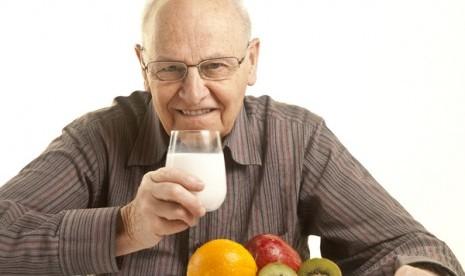 Manfaat Susu Bagi Kesehatan Orang Dewasa