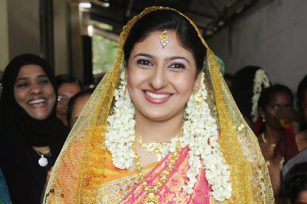 Tamil Actress Monica Wedding Photos, Tamil Heroine Monika ...
