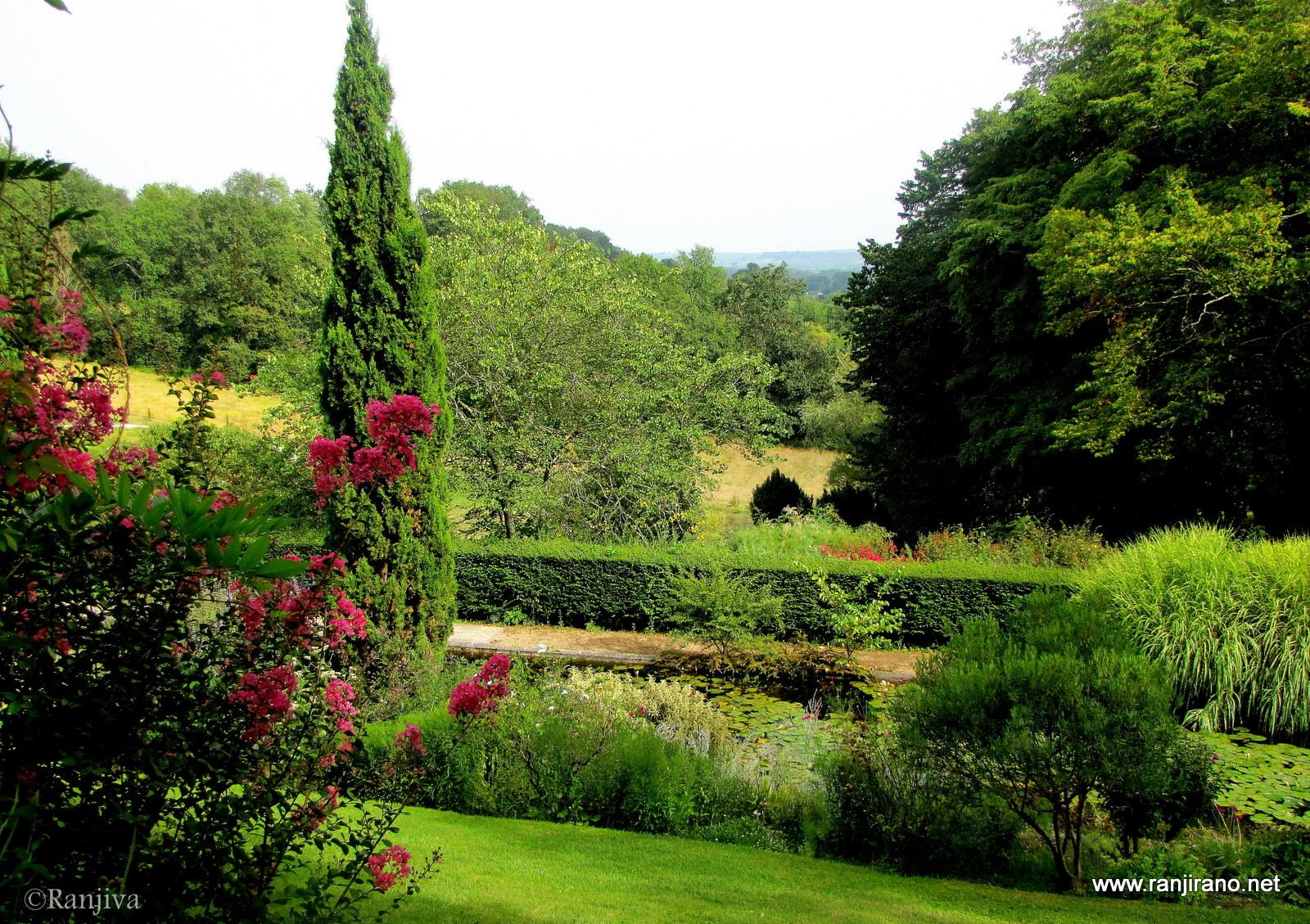 l 39 harmonie des jardins de sardy paysages et fleurs au fil de l 39 eau. Black Bedroom Furniture Sets. Home Design Ideas