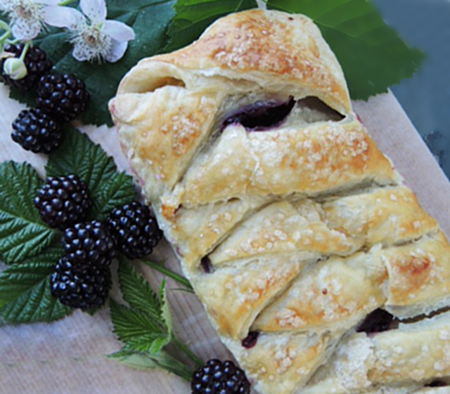 Berry or fruit puff pastry braid