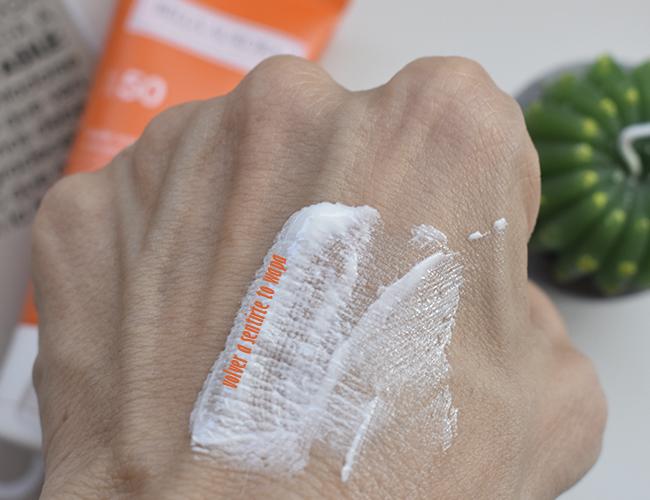Crema Solar Antimanchas para piel Sensible de Bella Aurora