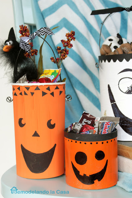 orange candy containers to use in Halloween