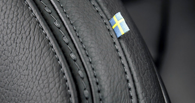 Volvo V90 Cross Country stitched leather