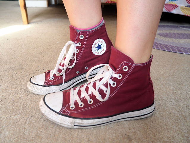 Spring Sunshine - outfit shoe details of red burgundy Converse high top sneakers