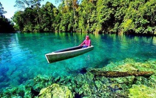 Danau Labuan Cermin Kalimantan Timur