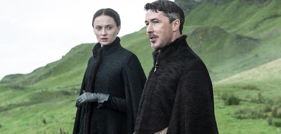 Littlefinger o convinge pe Sansa să îşi răzbune familia