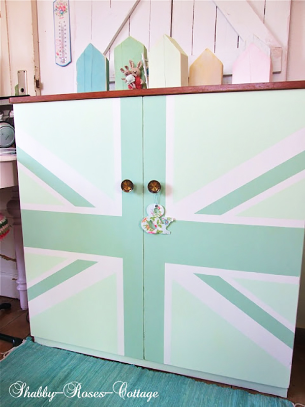 painted union jack cabinet If you loved painted furniture or are thinking about using Chalk paint on furniture for the first time then you should check this post full of 25 incredible makeoevers. 25 Fabulous painted furniture ideas!