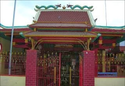 93+ Wisata Situbondo, Kelenteng Poo Tong Biaw Situbondo Jawa Timur