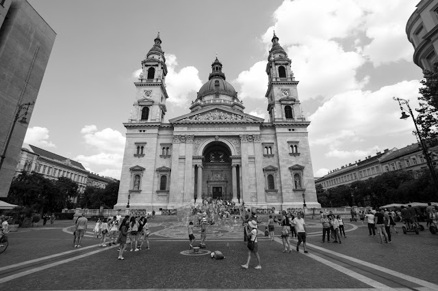 Piazzale della Basilica di Santo Stefano-Budapest