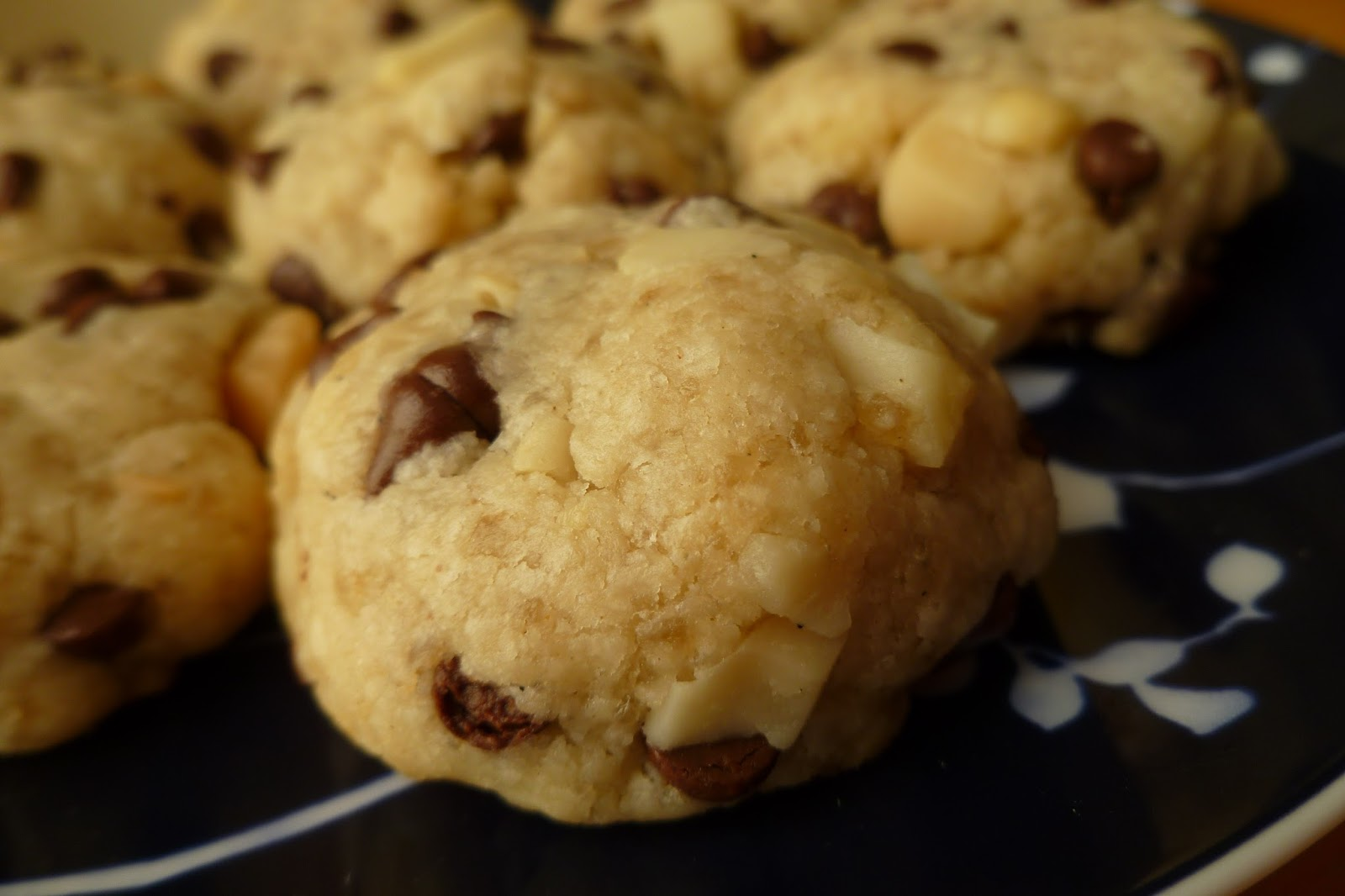 The Pastry Chef's Baking: Macadamia Chocolate Chip ...