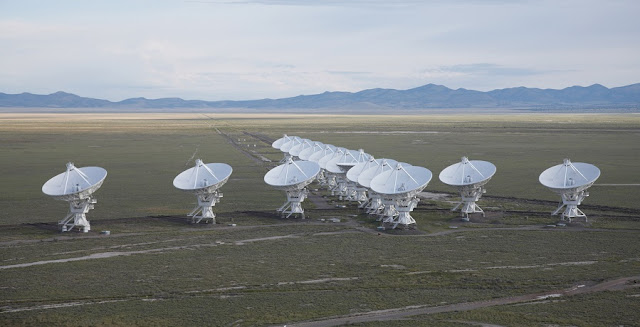 Observations by the NSF's Jansky Very Large Array, pictured here, show that a suspected fast radio burst afterglow is actually radio emission from an active galactic nucleus. Credit: NRAO