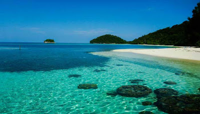 Pantai Pulau Wayag