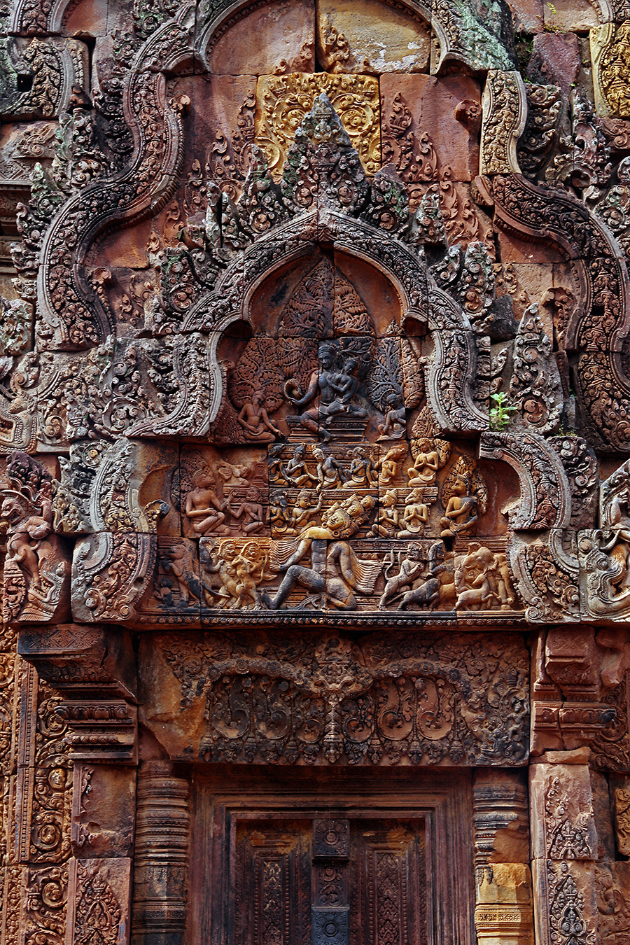 Seeing red at the Pink Temple of Siem Reap, Banteay Srei aka The Citadel of The Women.