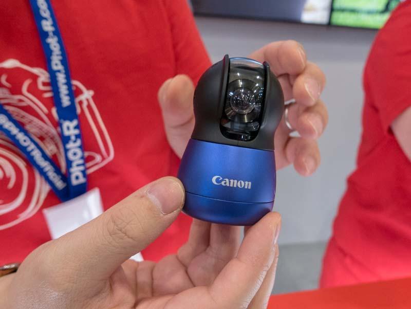 Интеллектуальная камера Canon c поворотной головкой