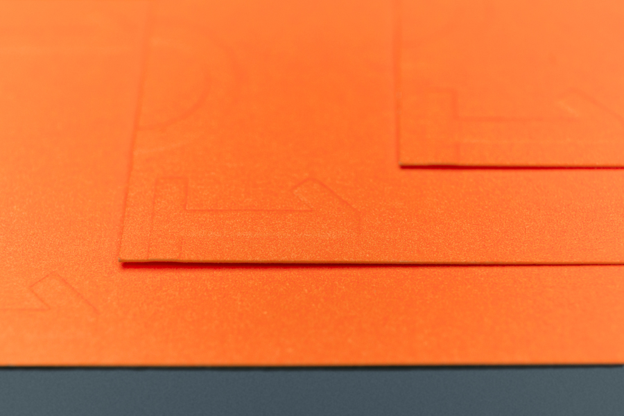 101-Soluções-logo-identity-Gen-Design-Studio-stationary-embossing