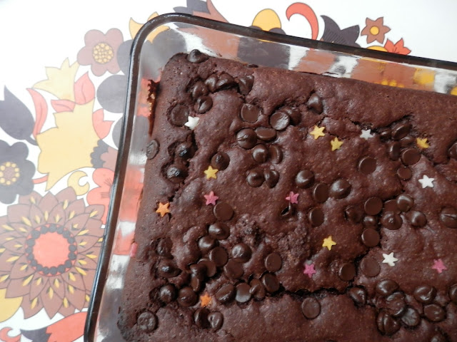 Four variations on Jamie Oliver's vegan brownie recipe. From UK vegan blogger secondhandsusie.blogspot.com #vegan #veganblogger #veganbrownies #veganrecipe