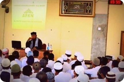 Fadzlan Rabbani Garamatan Prihatin Banyak Masjid Tak Makmur