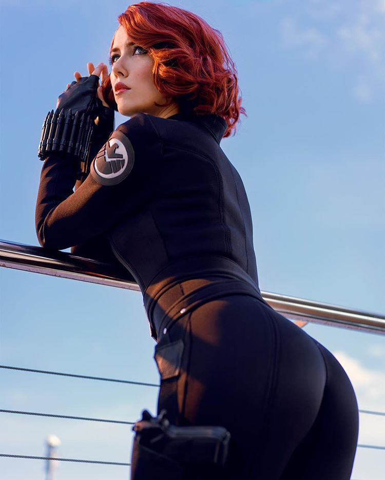 helen stifler sexy black widow cosplay 01