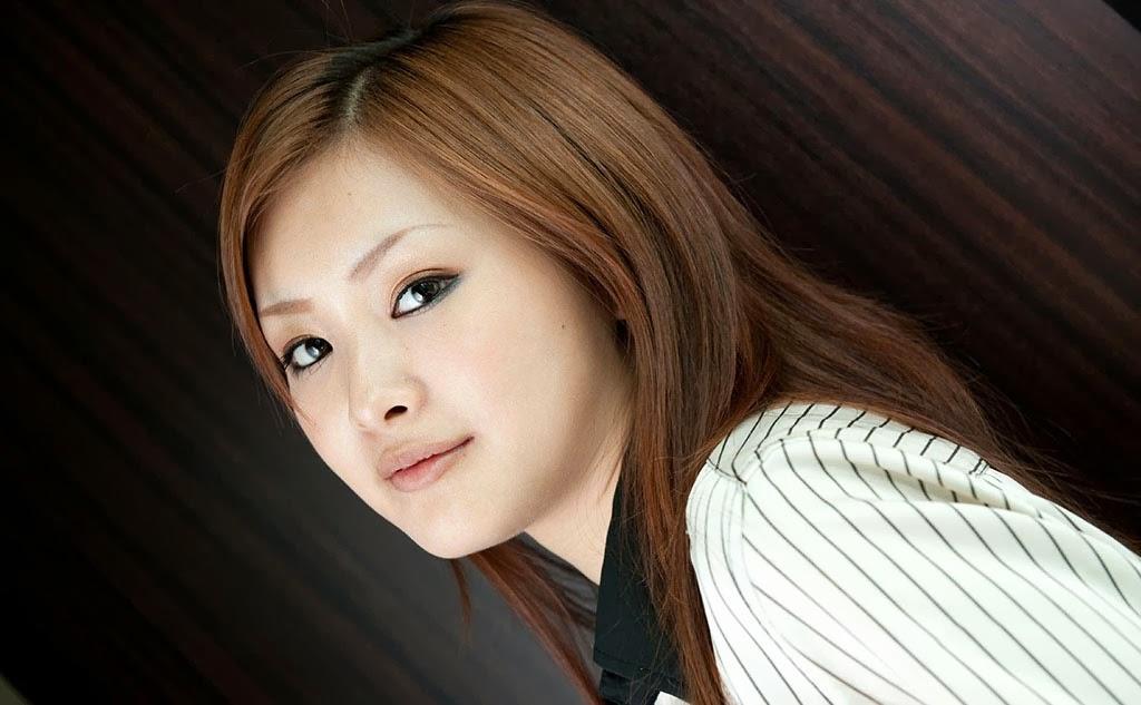 suzuka ishikawa stripping naked 05