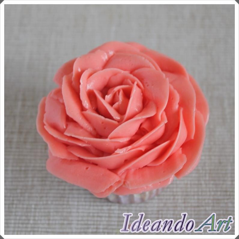 Rosa buttercream
