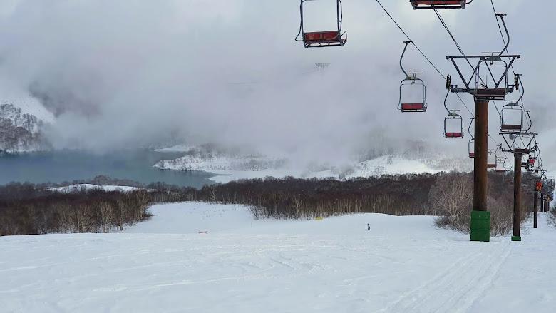 濃霧的田代雪場景色